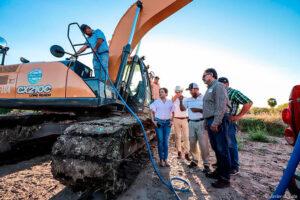 Construyen bordo para prevenir inundaciones en Valle de Huyaqui