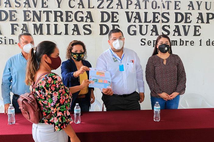 """Inicia entrega de vales de apoyo """"DIF Guasave y Calzzapato, ¡Te ayudan!"""