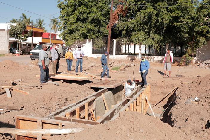 El Ayuntamiento cumple a la SNTE 53 pavimentación de la calle Álamo