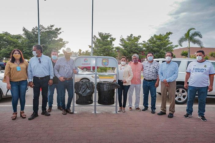 La alcaldesa exhorta a comerciantes y a la población a colocar la basura en su lugar